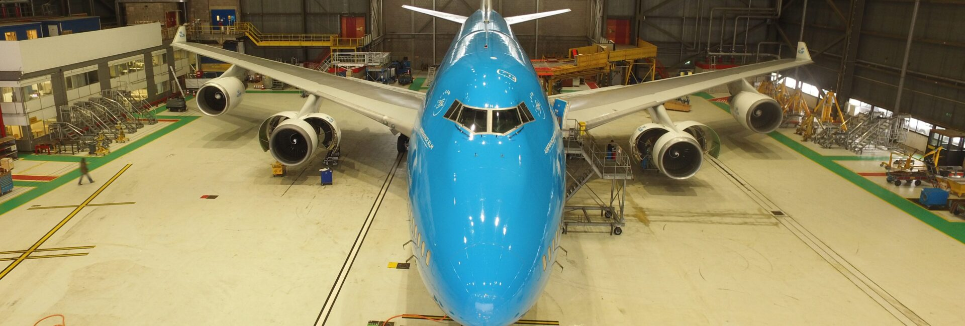 Picture of KLM Boeing 747-400 in hangar