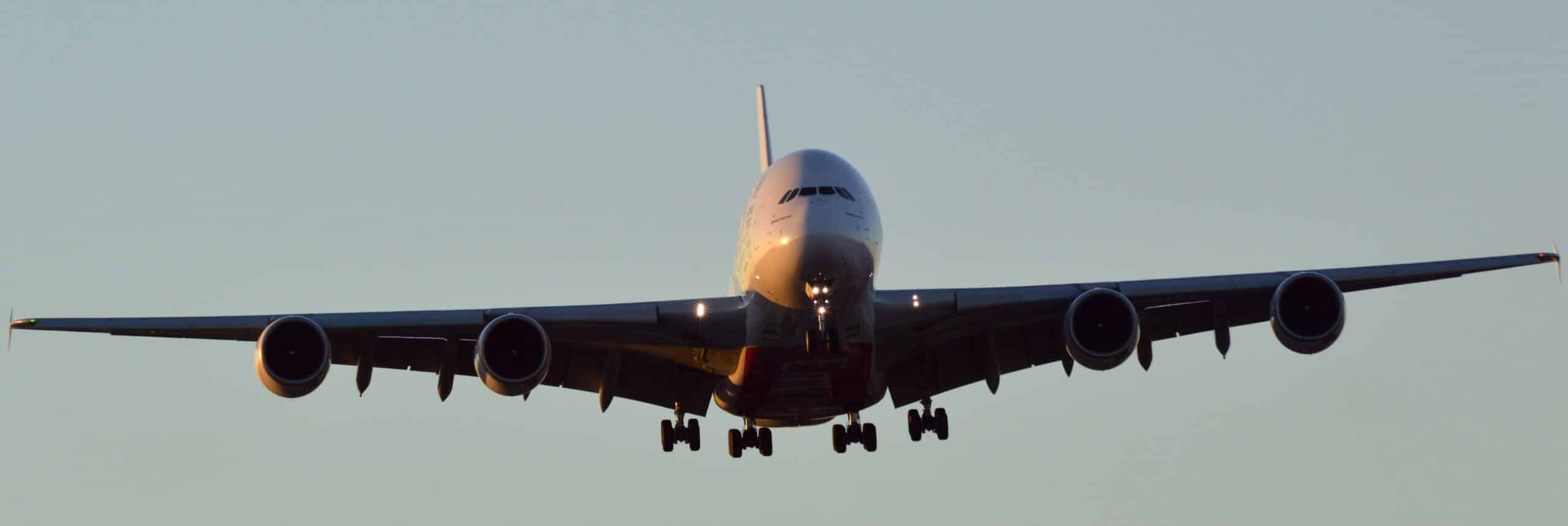 Picture Airbus A380-800 coming in to land