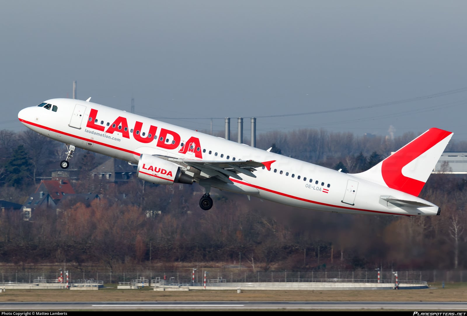 Picture Laudamotion A320 take off